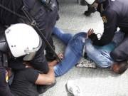 Familia cubana desalojada por la policía en España.