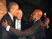 Guillermo Fariñas abraza al presidente de Estados Unidos, Barack Obama